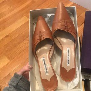Manolo Blahnik tan heels